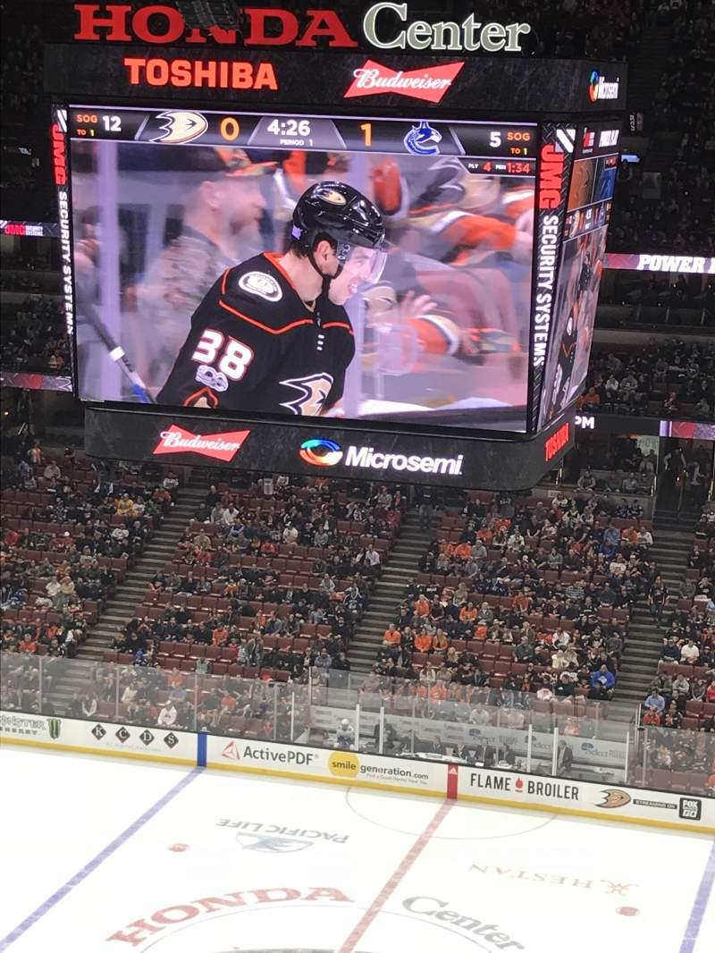 Honda Center, sección: 410, fila: K, asiento: 9