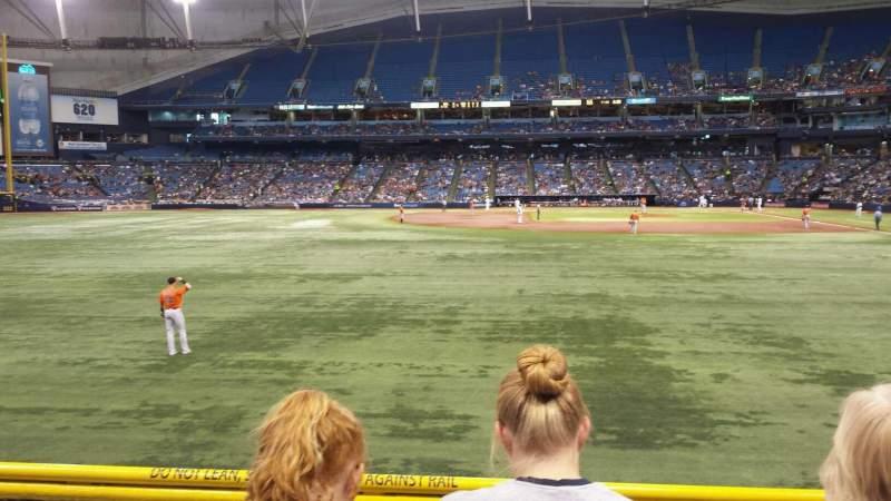 Tropicana Field, sección: 143, fila: V, asiento: 6