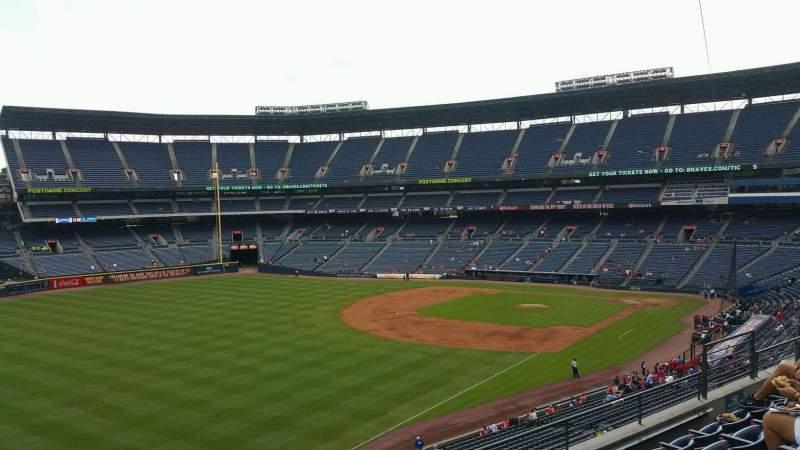 Turner Field, sección: 326, fila: 5, asiento: 10