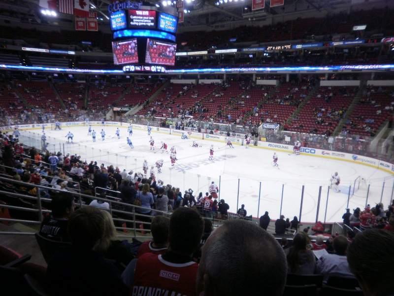 PNC Arena, sección: 115, fila: Y, asiento: 13