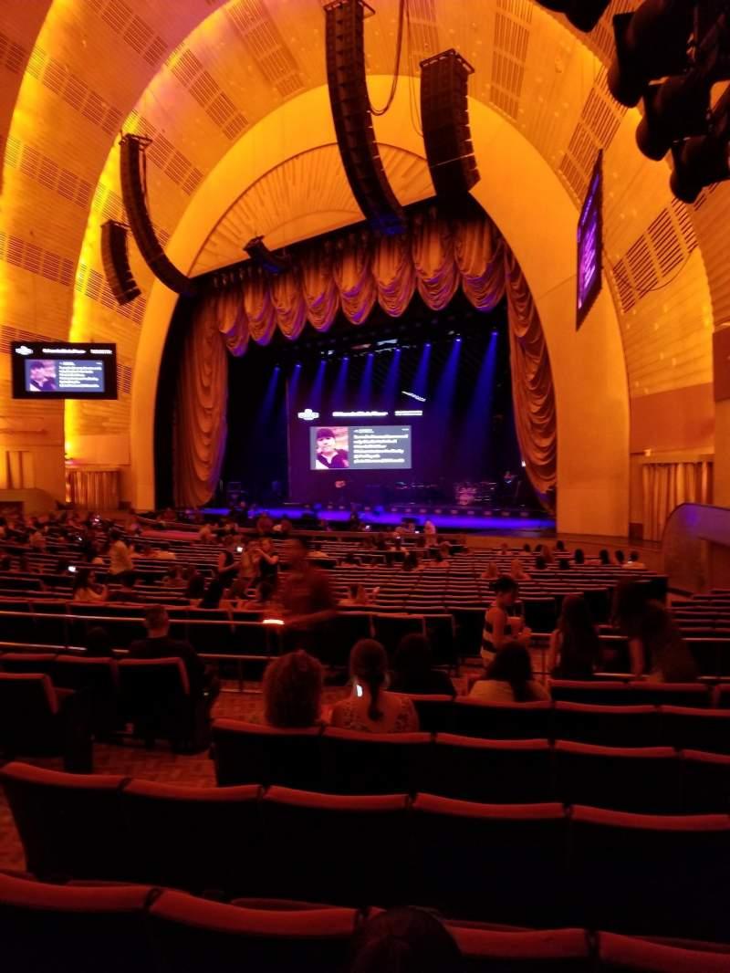 Radio City Music Hall, sección: Orchestra 1, fila: D, asiento: 104