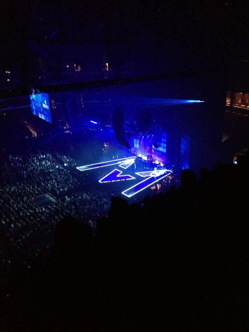 Staples Center, sección: 303, fila: 13, asiento: 12