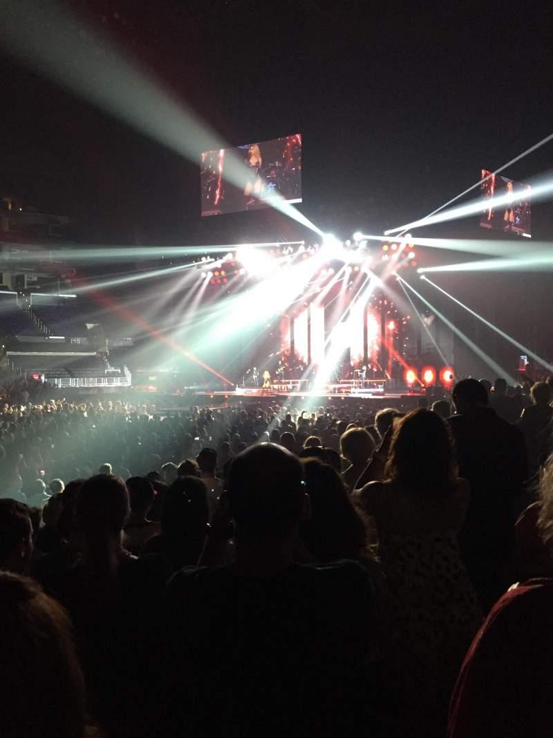 Staples Center, sección: 102, fila: 9, asiento: 13