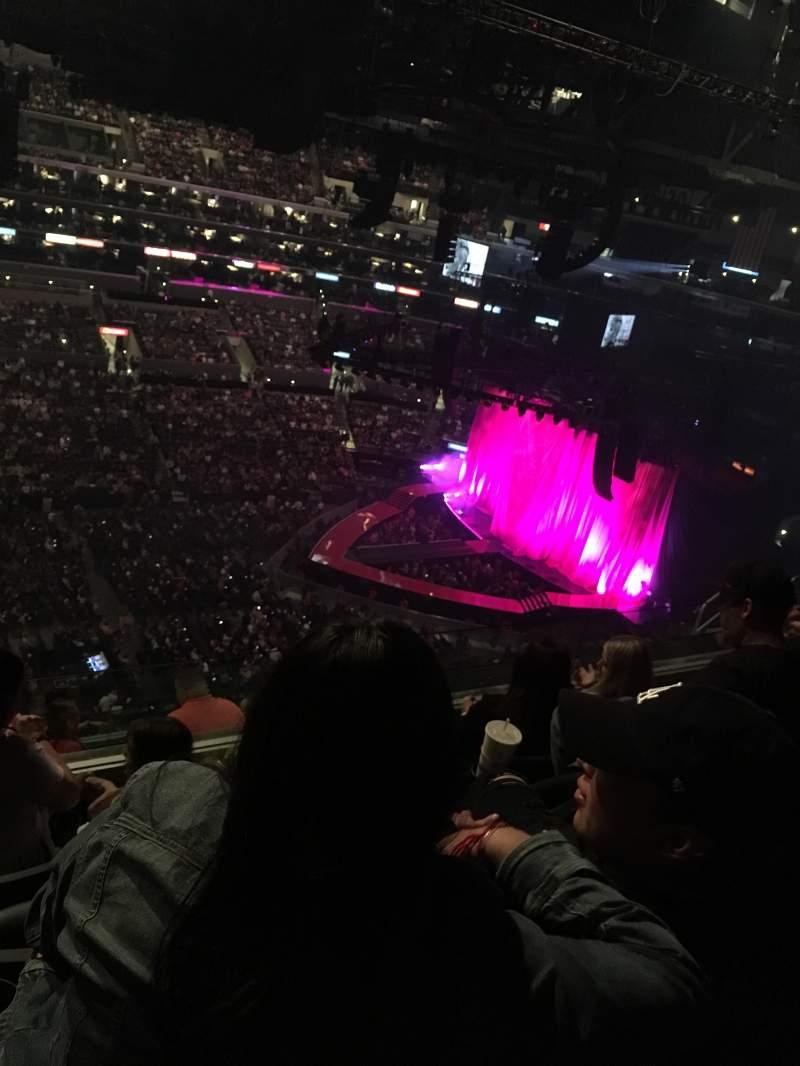 Staples Center, sección: 302, fila: 9, asiento: 20