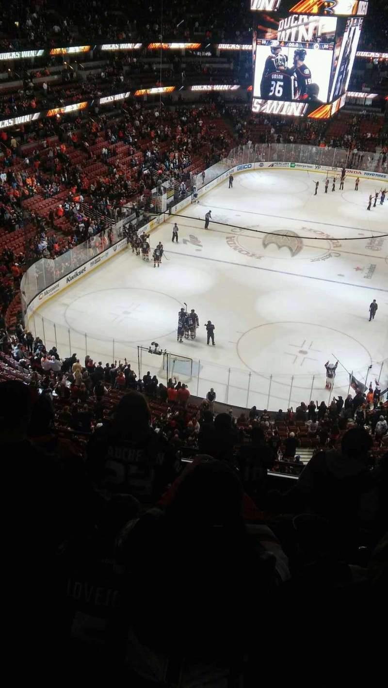Honda Center, sección: 441, fila: J, asiento: 4-7