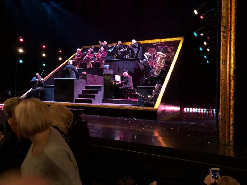 Vistas desde el asiento para Ambassador Theatre Sección Orchestra R Fila C Asiento 6