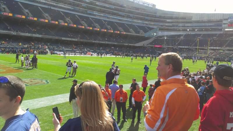 Soldier Field, sección: 144, fila: 3, asiento: 1