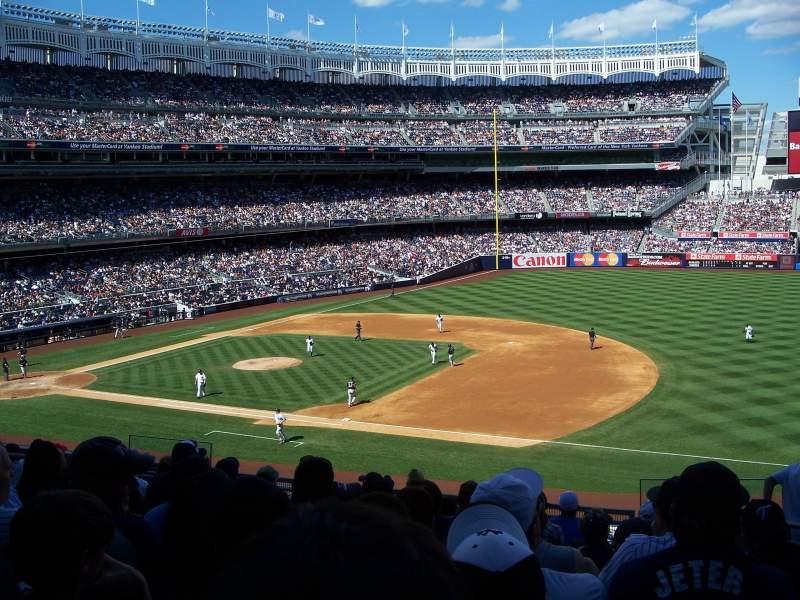 Vistas desde el asiento para Yankee Stadium Sección 214A Fila 10 Asiento 3