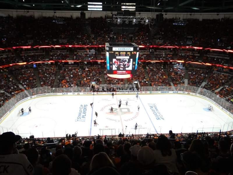 Honda Center, sección: 434, fila: R, asiento: 11