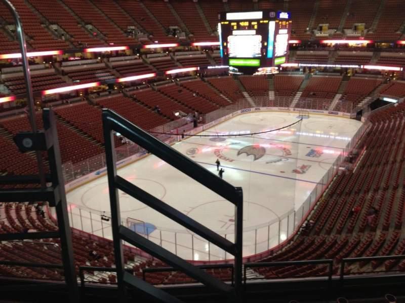 Honda Center, sección: 441, fila: E, asiento: 8
