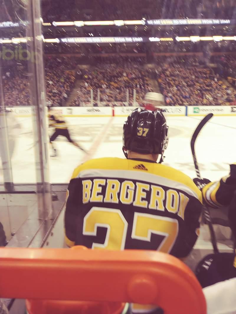 TD Garden, sección: Loge 1, fila: 3, asiento: 8