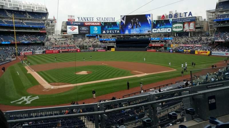 Vistas desde el asiento para Yankee Stadium Sección 218B Fila 3 Asiento 6