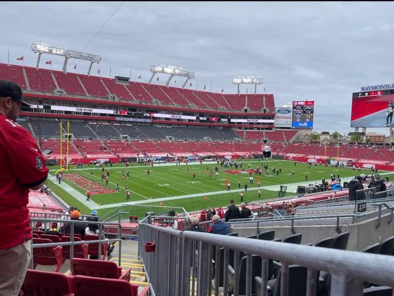 Vistas desde el asiento para Raymond James Stadium Sección 229 Fila J Asiento 4