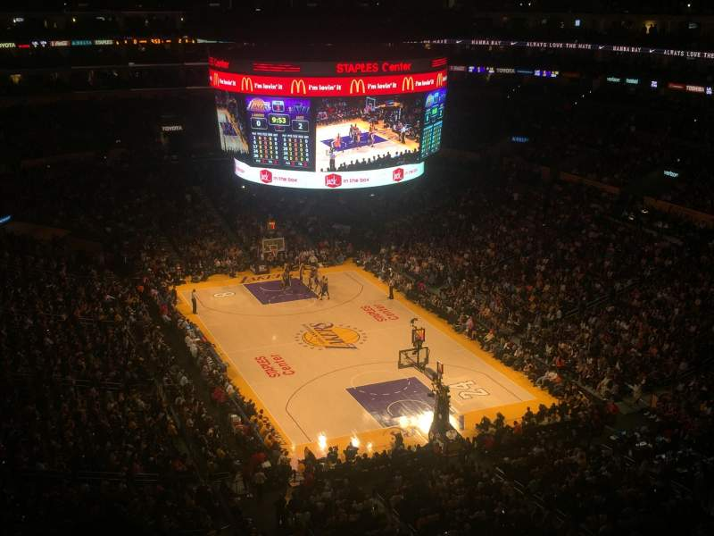 Staples Center, sección: 329, fila: 4, asiento: 3