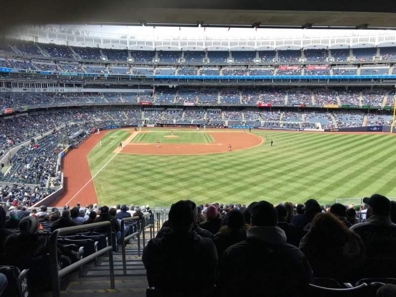 Vistas desde el asiento para Yankee Stadium Sección 205 Fila 18 Asiento 1