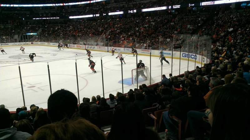 Honda Center, sección: 203, fila: m, asiento: 2