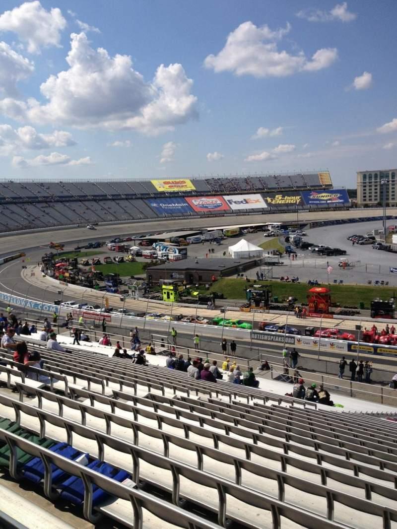Vistas desde el asiento para Dover International Speedway Sección 107 Fila 45 Asiento 8