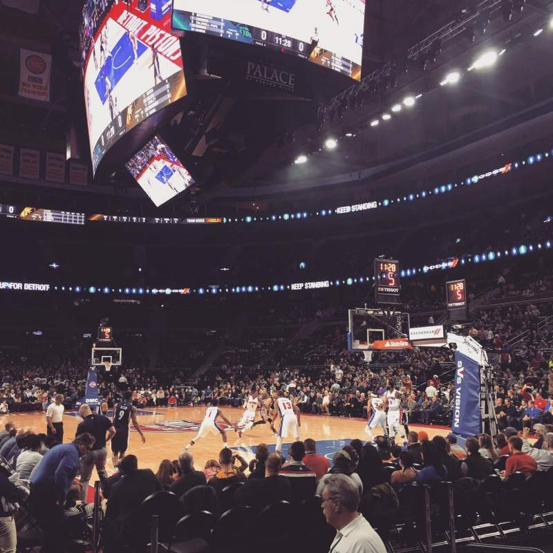 The Palace of Auburn Hills, sección: 110, fila: AA, asiento: 1