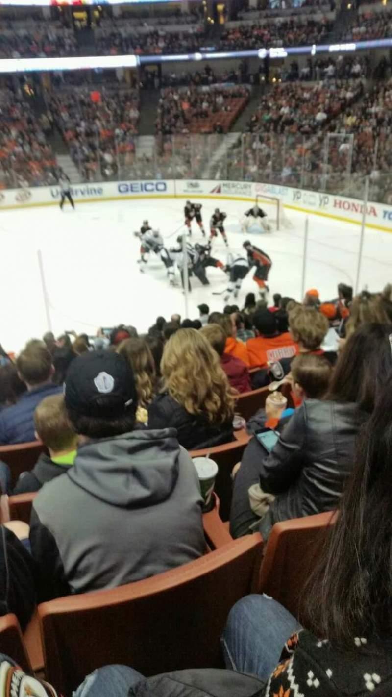 Honda Center, sección: 220, fila: m, asiento: 14
