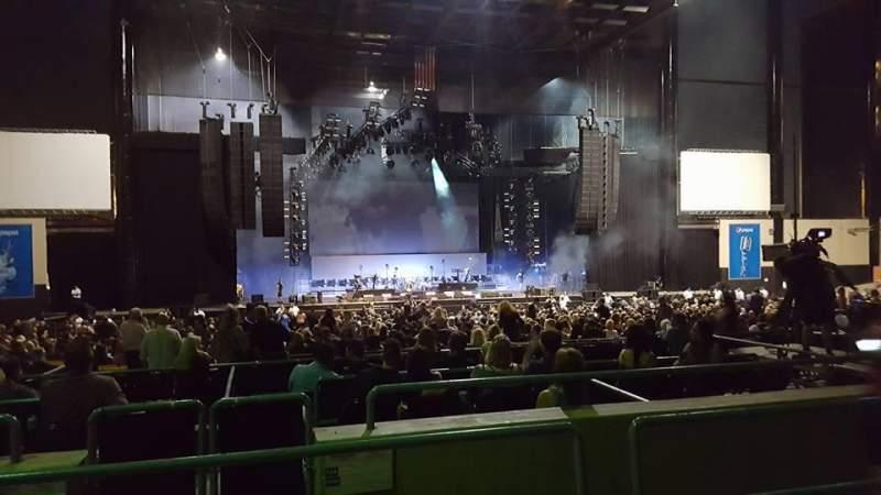 Vistas desde el asiento para Hollywood Casino Amphitheatre (Tinley Park) Sección 205 Fila LL Asiento 20-21