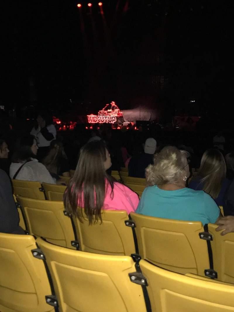 Vistas desde el asiento para Hollywood Casino Amphitheatre (Tinley Park) Sección 102 Fila V Asiento 13
