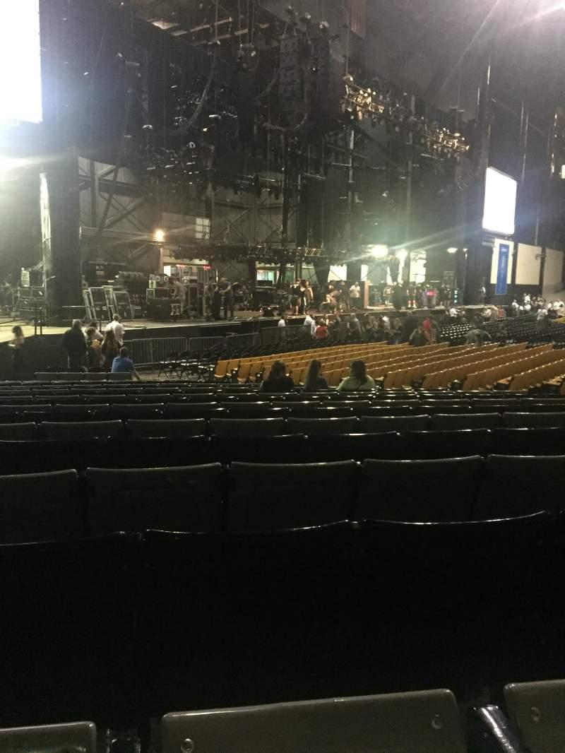 Vistas desde el asiento para Hollywood Casino Amphitheatre (Tinley Park) Sección 105 Fila X Asiento 22/23