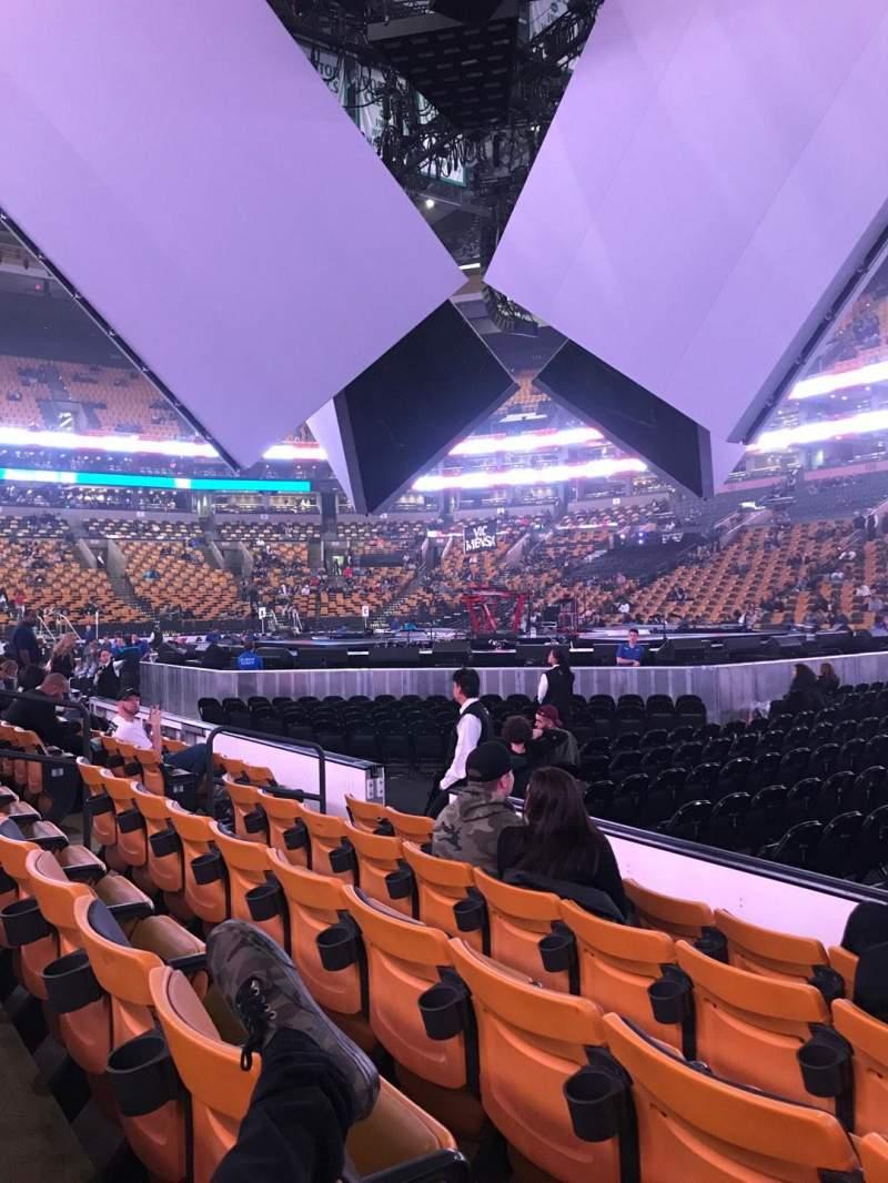 TD Garden, sección: Loge 21, fila: 5, asiento: 2-3