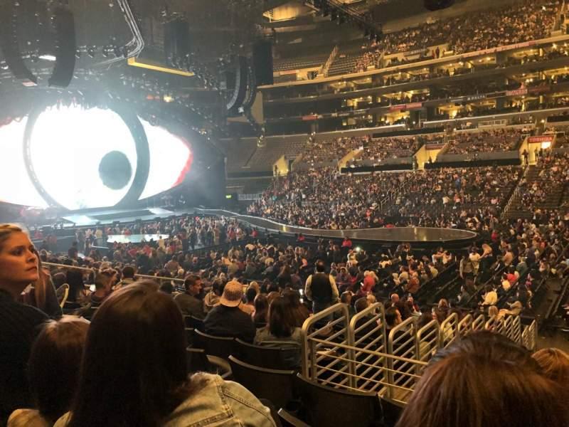Staples Center, sección: 110, fila: 17, asiento: 14