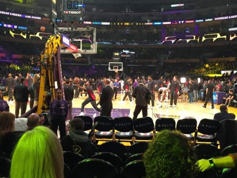 Staples Center, sección: 106, fila: G, asiento: 7