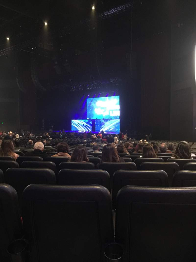 Microsoft Theater, sección: Orchestra Right, fila: KK, asiento: 111