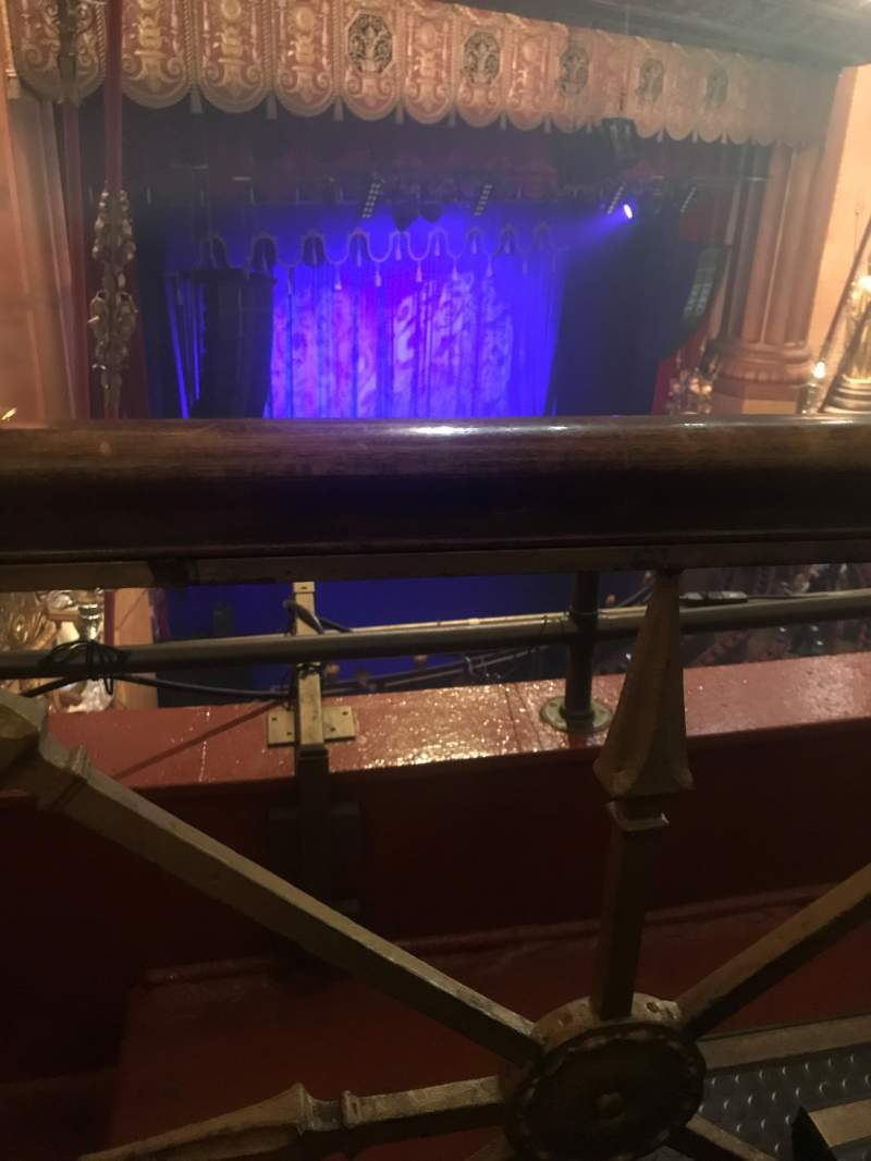 Beacon Theatre, sección: Lower Balcony, fila: B, asiento: 45