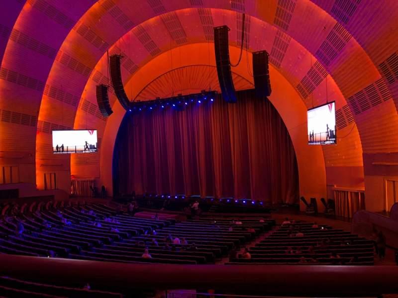 Radio City Music Hall, sección: 1st Mezzanine 1, fila: BB, asiento: 107
