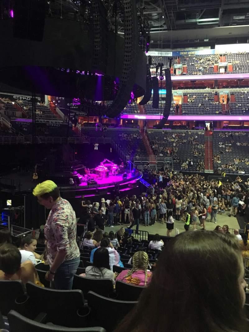 Capital One Arena Sección 120 Fila Q Asiento 18 Harry Styles Tour Harry Styles Live On Tour Compartido Por Anónimo