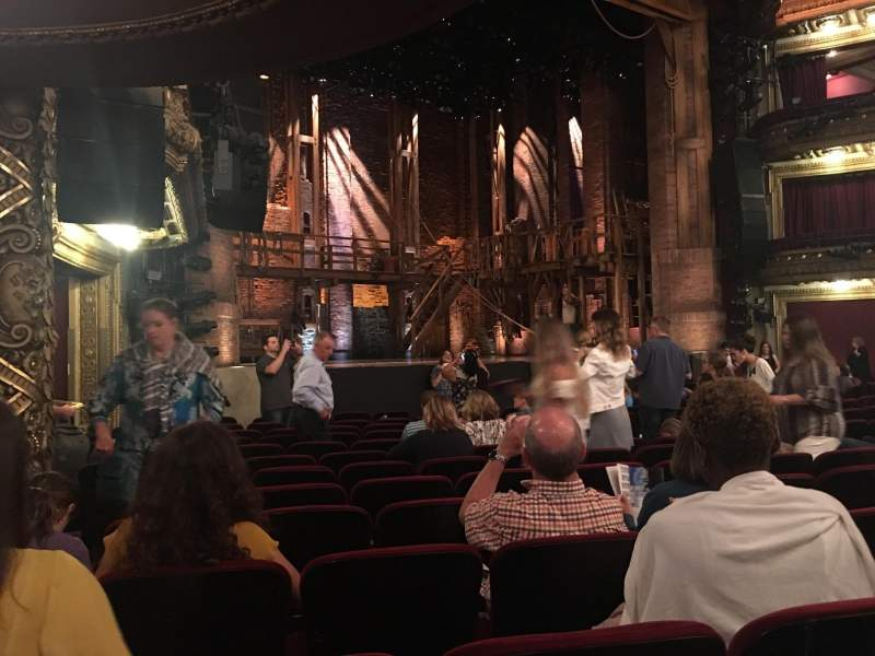 CIBC Theatre, sección: Orchestra L, fila: P, asiento: 21, 23