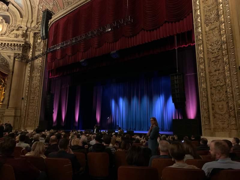 Vistas desde el asiento para Chicago Theatre Sección MNFL2R Fila C Asiento 208