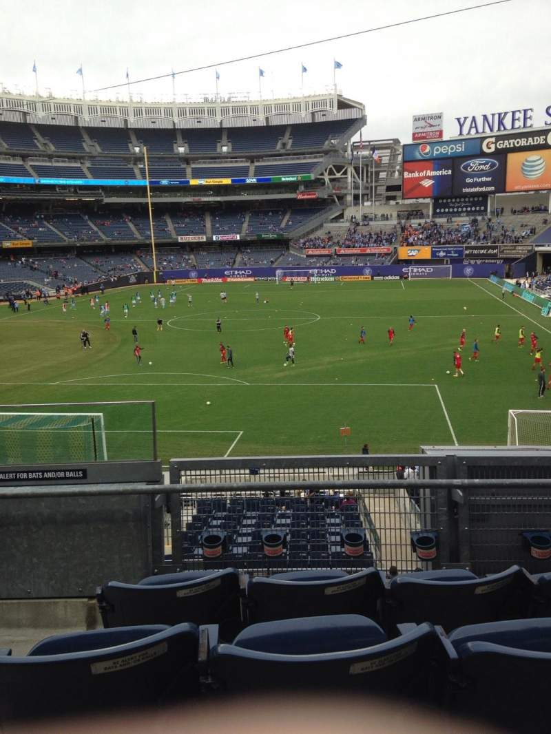 Vistas desde el asiento para Yankee Stadium Sección 211 Fila 4 Asiento 19