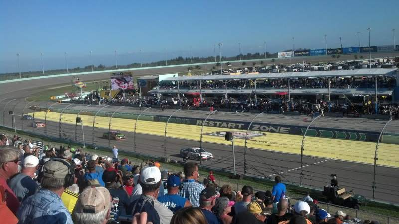 Vistas desde el asiento para Homestead-Miami Speedway Sección 236 Fila 15 Asiento 1