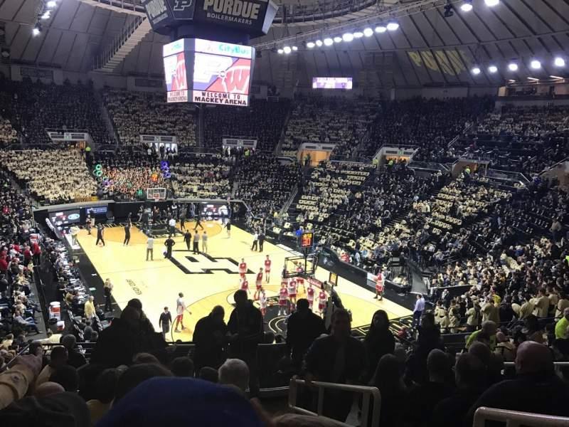 Mackey Arena, sección: 106, fila: 16