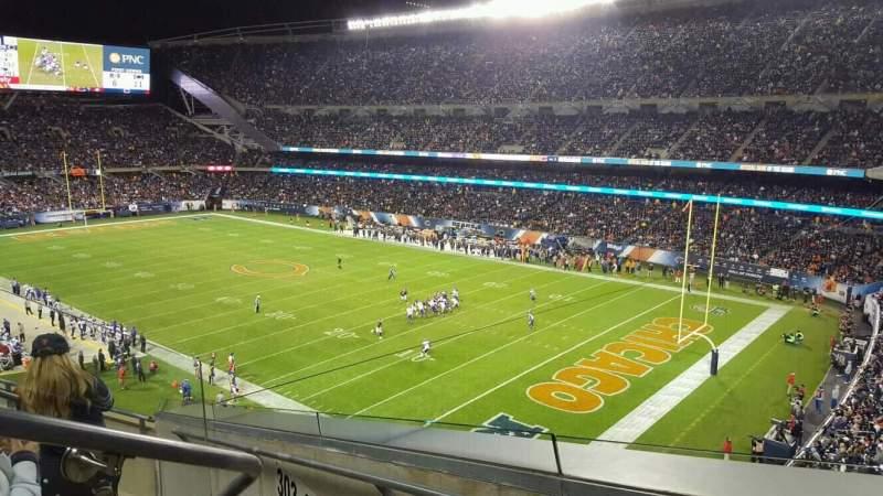 Soldier Field, sección: 302, fila: 5, asiento: 3