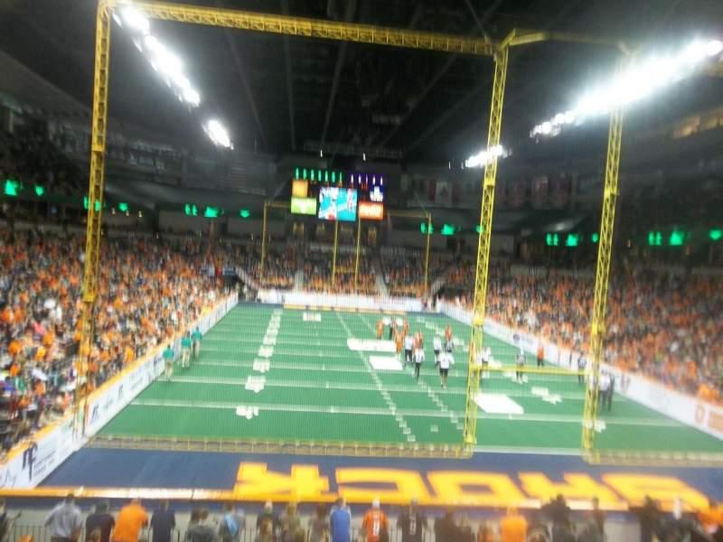 Spokane Arena, sección: 121, fila: S , asiento: 4
