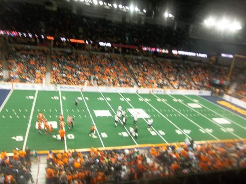 Spokane Arena, sección: 202, fila: L, asiento: 18
