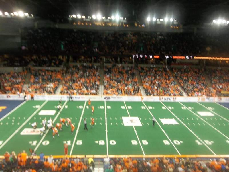 Spokane Arena, sección: 216, fila: M, asiento: 17