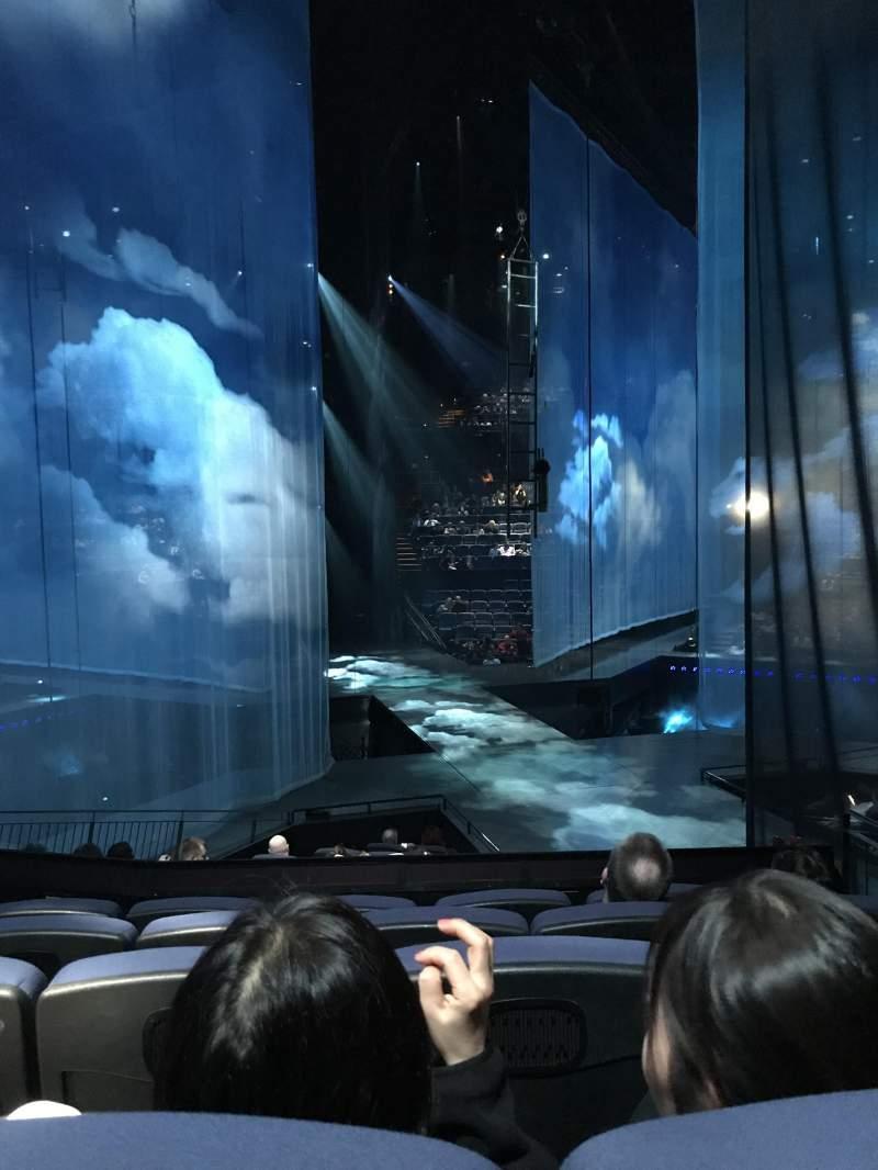 Vistas desde el asiento para Love Theatre - The Mirage Sección 205 Fila O Asiento 13