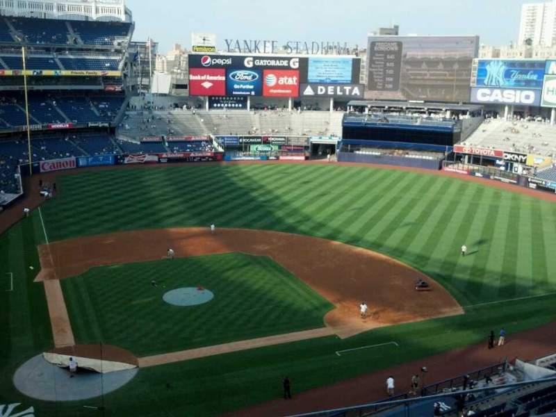 Vistas desde el asiento para Yankee Stadium Sección 318 Fila 4 Asiento 8