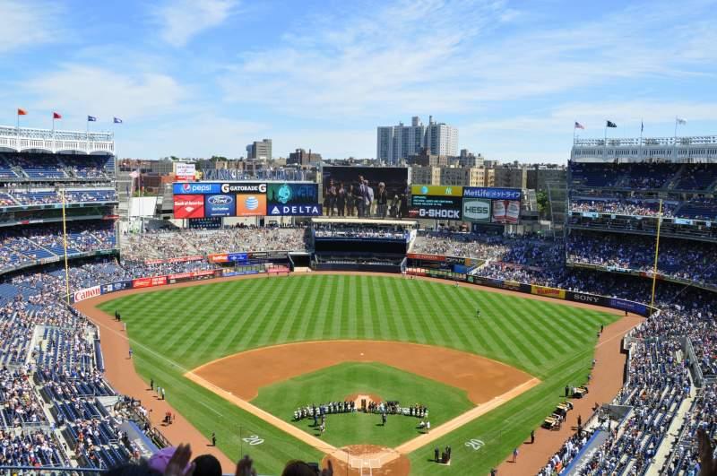 Vistas desde el asiento para Yankee Stadium Sección 420B Fila 4 Asiento 16