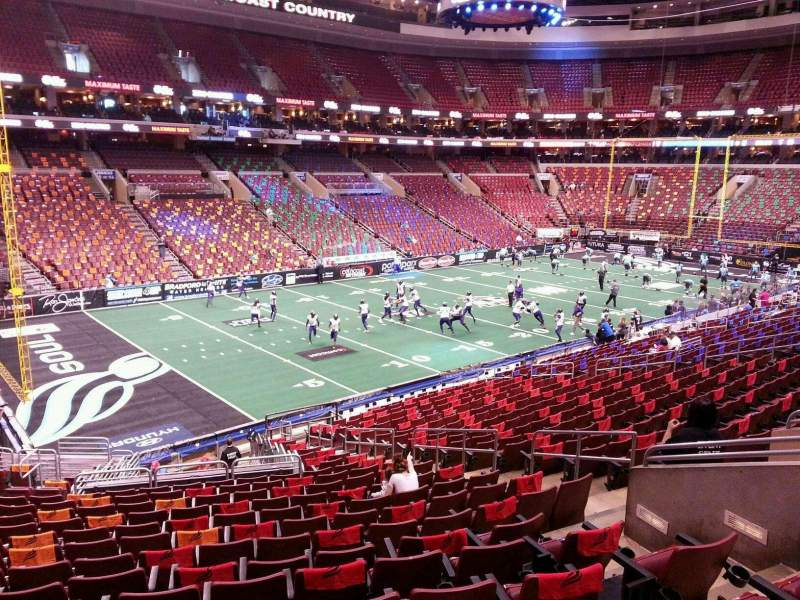 Wells Fargo Center, sección: Club Box 22, fila: 1, asiento: 11