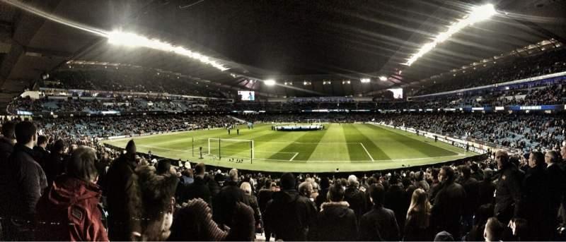 Etihad Stadium Manchester Sección 114 Fila Z Asiento