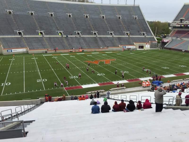 Lane Stadium, sección: 6, fila: XX, asiento: 16