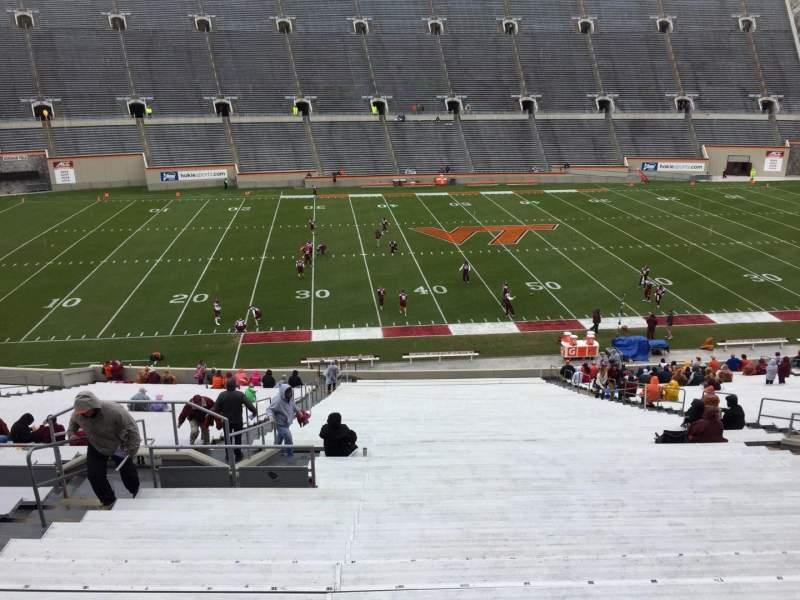 Lane Stadium, sección: 8, fila: CCC, asiento: 14