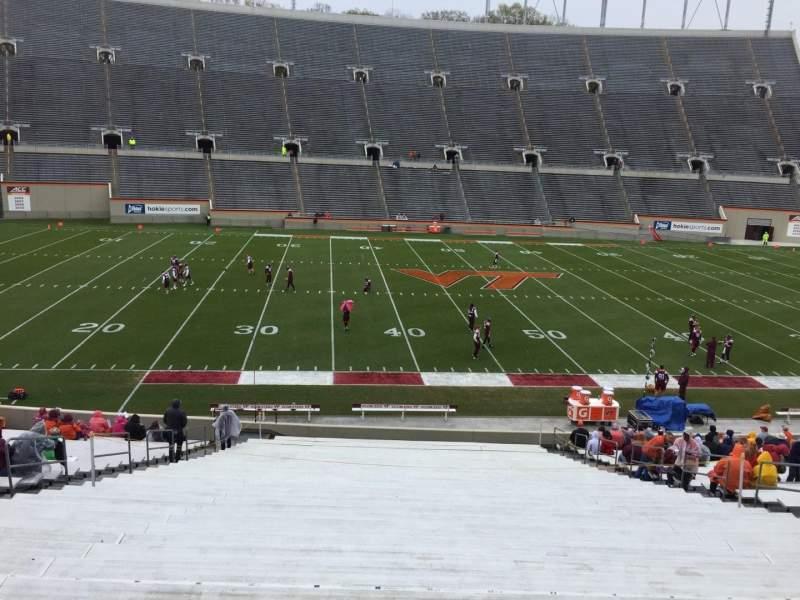 Lane Stadium, sección: 8, fila: MM, asiento: 16